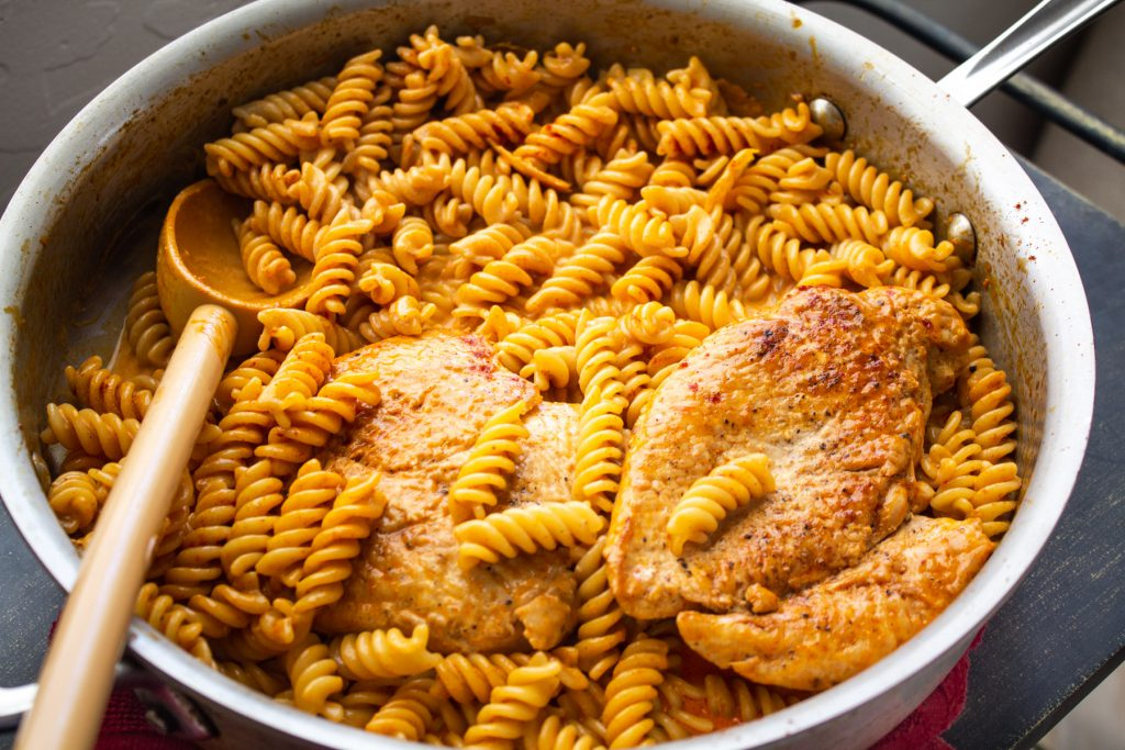 chicken pasta and paprika cream sauce