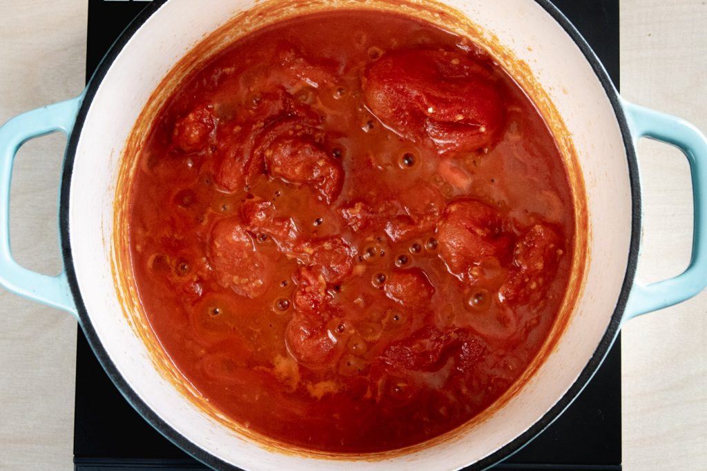 Simmering tomato sauce